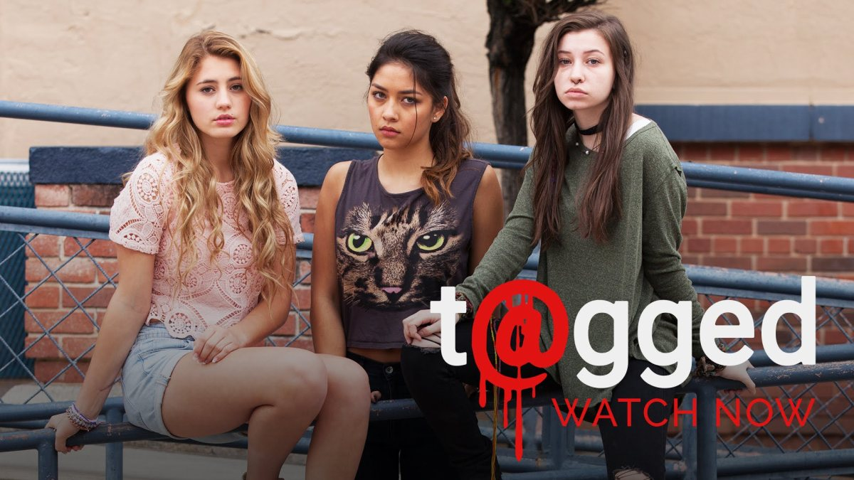 Hulu Series Review: T@gged W/ Friends!